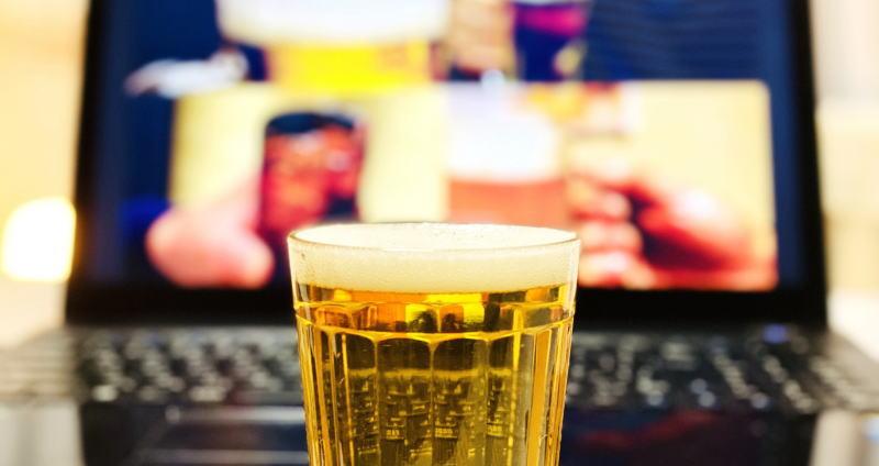 懐かしい曲を聞きながらお酒を飲んで語り合おう!